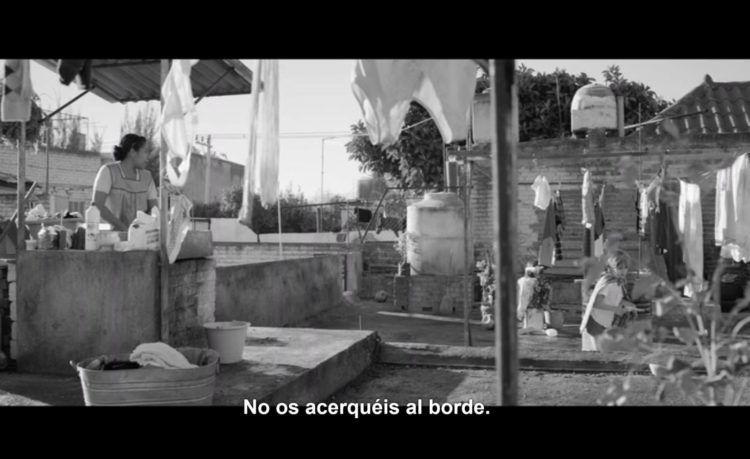 Fotograma de Roma subtitulada en español peninsular.