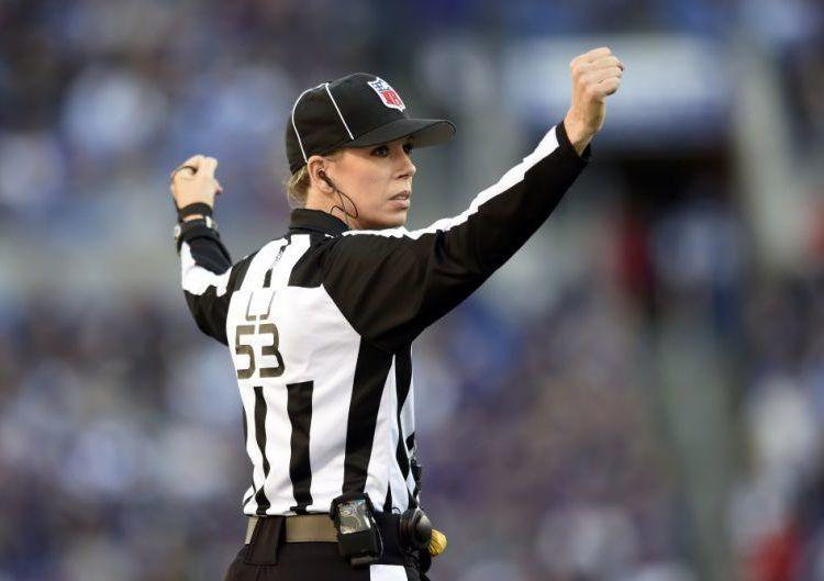 Sarah Thomas estará bajo los focos en el duelo de Patriots y Chargers. AP/Gail Burton