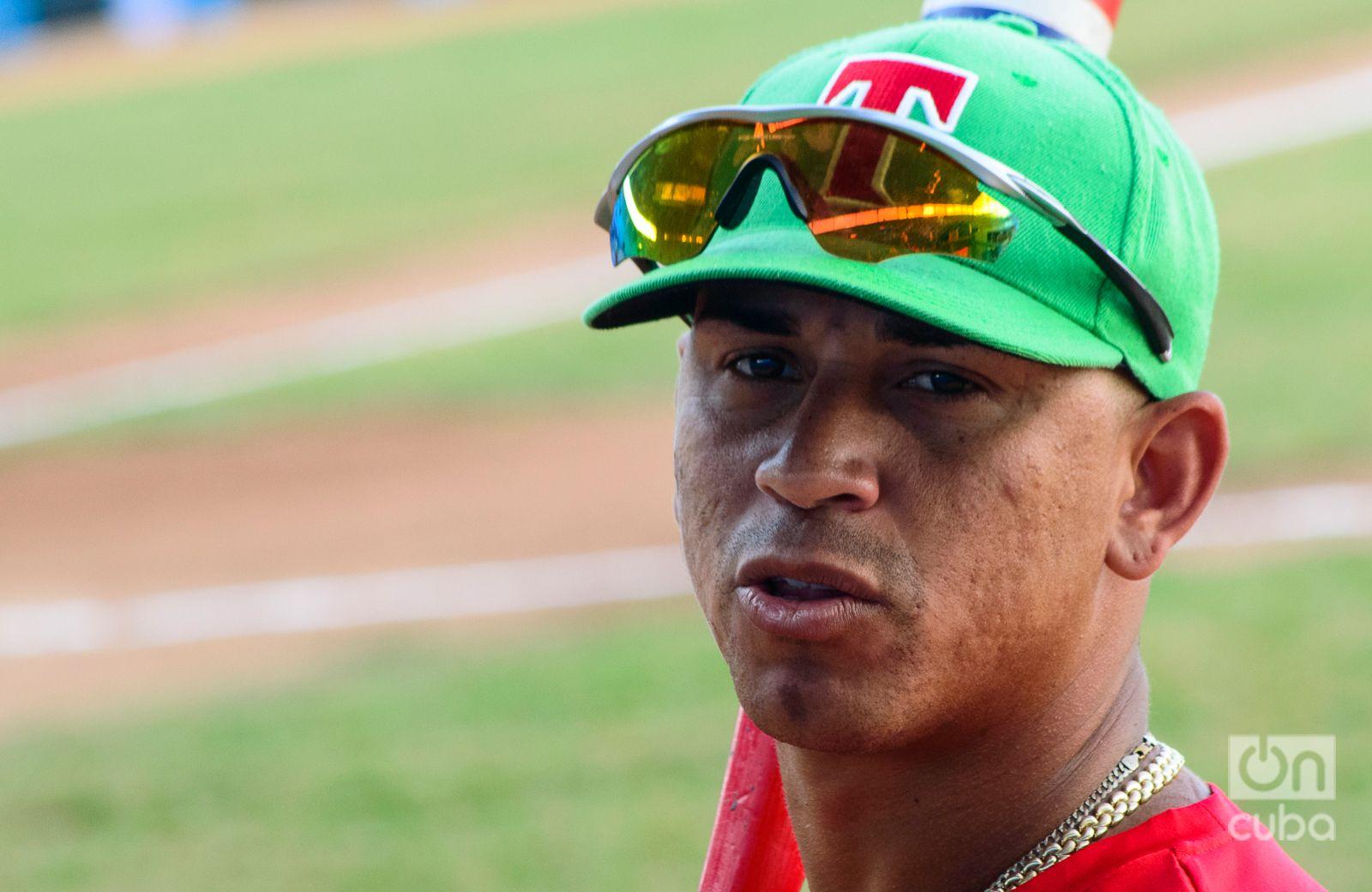 Alomá, pelotero de la capital que jugó por los Leñadores de Las Tunas. Foto: Otmaro Rodríguez