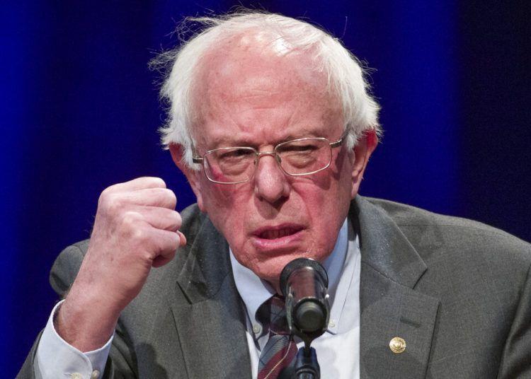 """El senador Bernie Sanders, independiente por Vermont, habla sobre su nuevo libro """"Where We Go From Here: Two Years in the Resistance'"""" en la George Washington University, en Washington, 27 de noviembre de 2018. Foto: Alex Brandon / AP."""