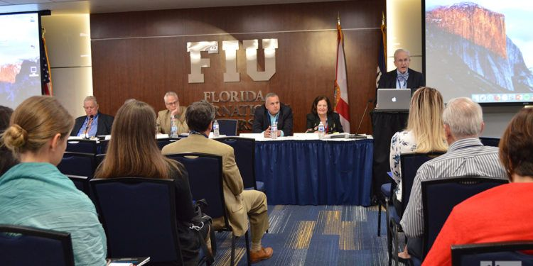 Panel sobre Cuba y Puerto Rico en la 12 Conferencia de estudios cubanos y cubano-americanos. Foto: Marita Pérez Díaz.