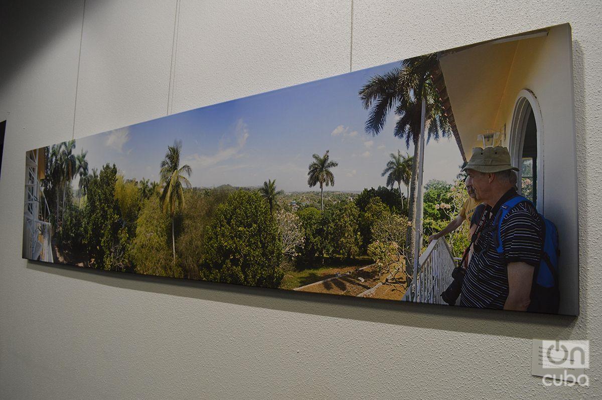 Una de las fotos panorámicas de Finca Vigía de la exposición. Foto: Marita Pérez Díaz.