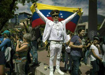 Mitin de la oposición para proponer leyes de amnistía para la policía y las fuerzas armadas, en Las Mercedes de Caracas, Venezuela, el sábado 26 de enero de 2019. Foto: Rodrigo Abd / AP.