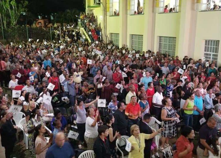 """Congregación por """"el diseño original"""", Iglesia Metodista de Marianao. Foto: Iglesia Metodista."""