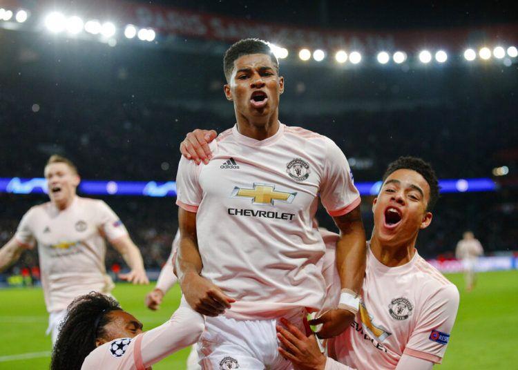 Marcus Rashford festeja tras anotar de penal el tercer gol del Manchester United para la victoria 3-1 ante el Paris Saint Germain en los octavos de final de la Liga de Campeones en París, el miércoles 6 de marzo de 2019. (AP Foto/Francois Mori)