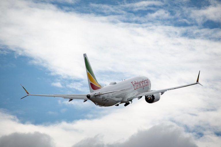 Un avión similiar al sinestrado, de la compañía Ethiopian Airlines. Foto: prensa Boeing.