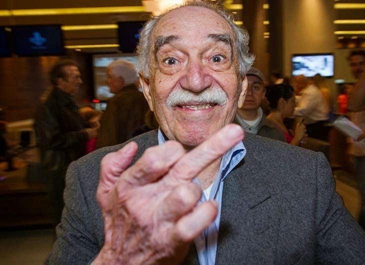 """En 2013, Gabo le """"extendió el dedo"""" a un fotógrafo de Notimex y se convirtió en portada de La Jornada de México por ese gesto."""