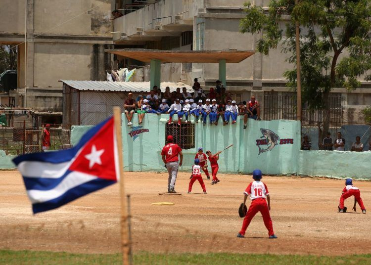 El acuerdo con las Pequeñas Ligas puede darle un impulso al béisbol cubano desde la base. Foto: Ezra Shaw/Getty Images