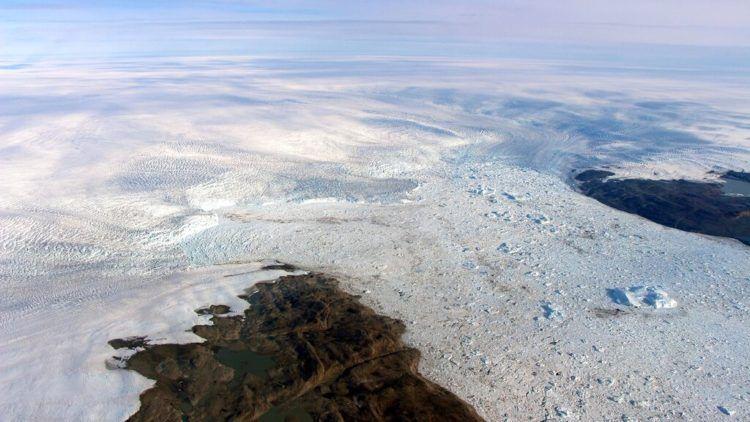 Imagen del 2016 proporcionada por la NASA que muestra parte de zonas llanas del glaciar Jakobshavn en Groenlandia. Foto: NASA vía AP.