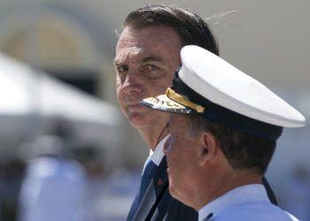 El presidente de Brasil, Jair Bolsonaro, asiste a una ceremonia por el 211 aniversario del Cuerpo de la Armada Brasileña en Río de Janeiro, el jueves 7 de marzo de 2019. Foto: Leo Correa / AP.