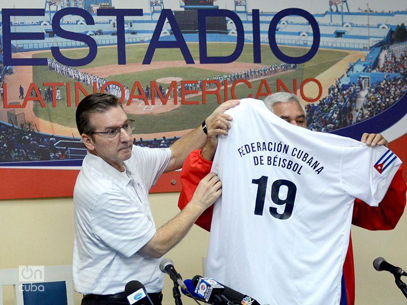 La Federación Cubana de Béisbol tiene en sus manos una legítima vía para el desarrollo del deporte en la base. Foto: Gabriel García