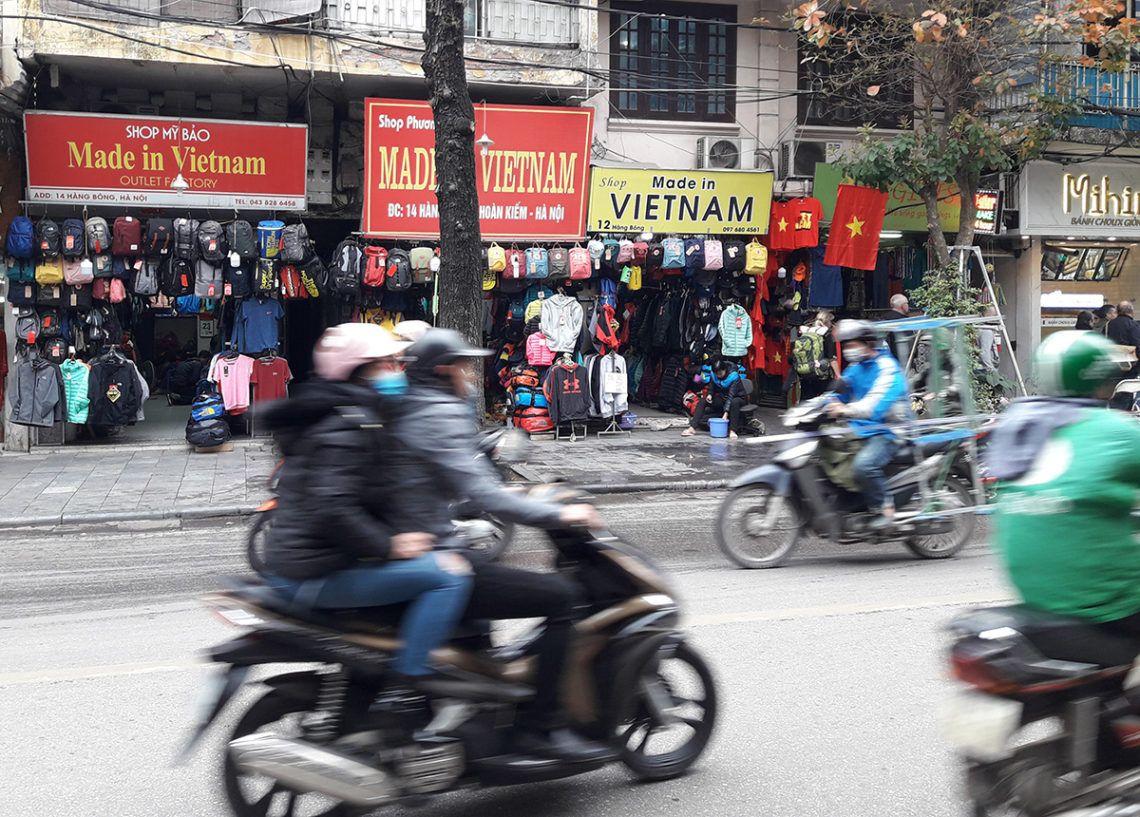 Ofrecer productos hechos en Vietnam es un plus para vender más. Foto: Raquel Pérez.