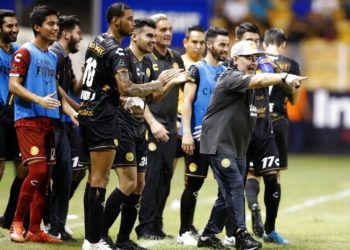Diego Armando Maradona durante un partido de su equipo Dorados de Sinaloa en el torneo de ascenso de México, en septiembre de 2018. Foto: Eduardo Verdugo / AP / Archivo.