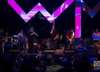 La banda Ozomatli durante el festival Havana World Music 2019. Foto: Otmaro Rodríguez.