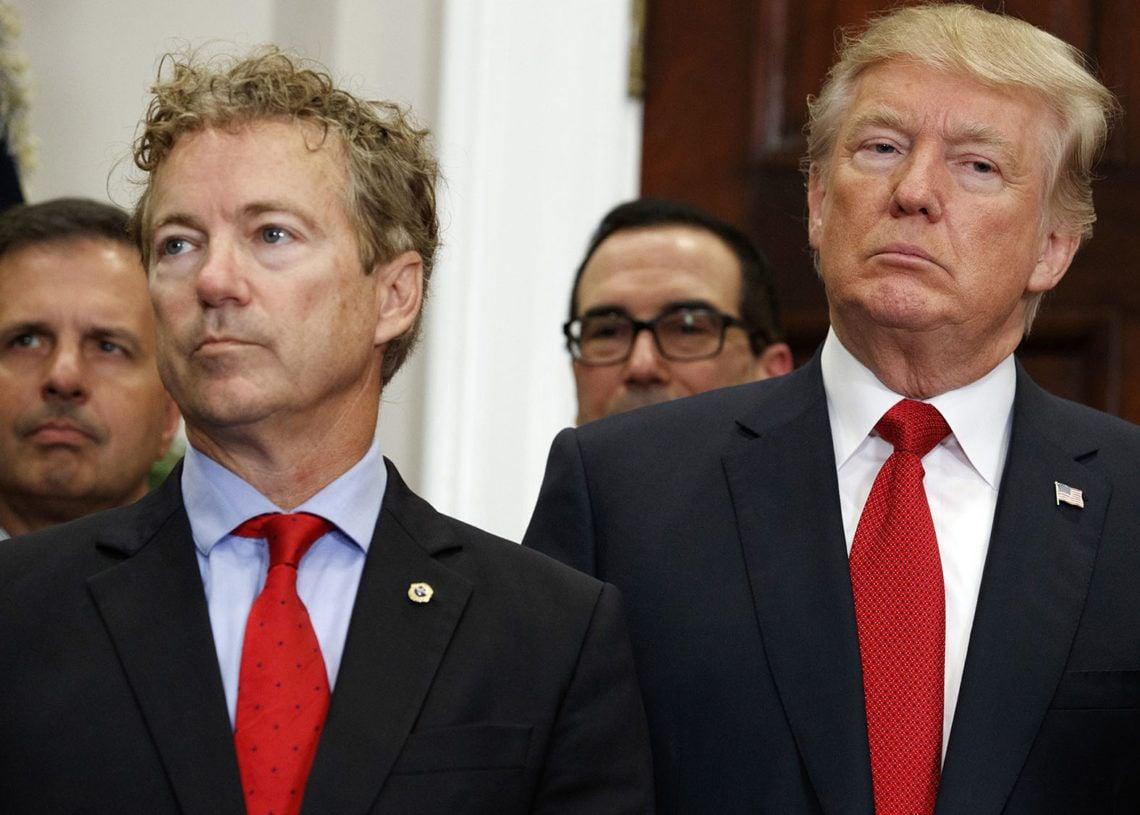 El senador estadounidense Rand Paul junto al presidente Donald Trump en la Casa Blanca en octubre de 2017. Foto: Evan Vucci / AP / Archivo.