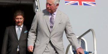 El príncipe de Gales llega a San Cristóbal y Nieves.