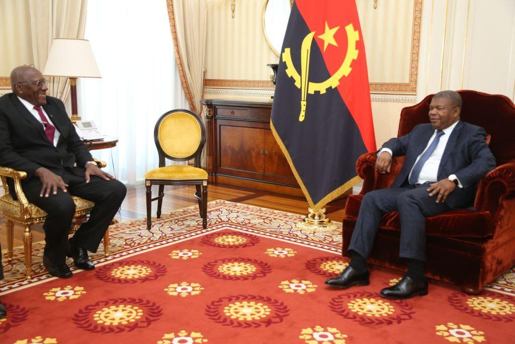 Salvador Valdés Mesa durante su reunión con el presidente de Angola Joao Lourenzo. Foto: @SalvadorValdesM