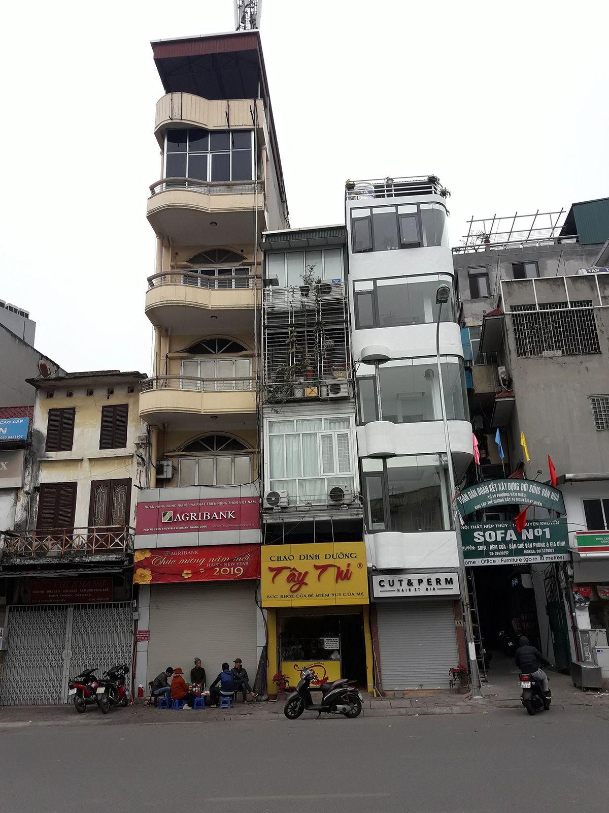 La vivienda parece ser uno de los grandes problemas que persisten en Vietnam. Foto: Raquel Pérez.