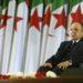 En esta imagen de archivo, tomada el 28 de abril de 2014, Abdelaziz Bouteflika, sentado en una silla de ruedas tras jurar como presidente de Argelia, en Argel. Foto: Sidali Djarboub / AP / Archivo.