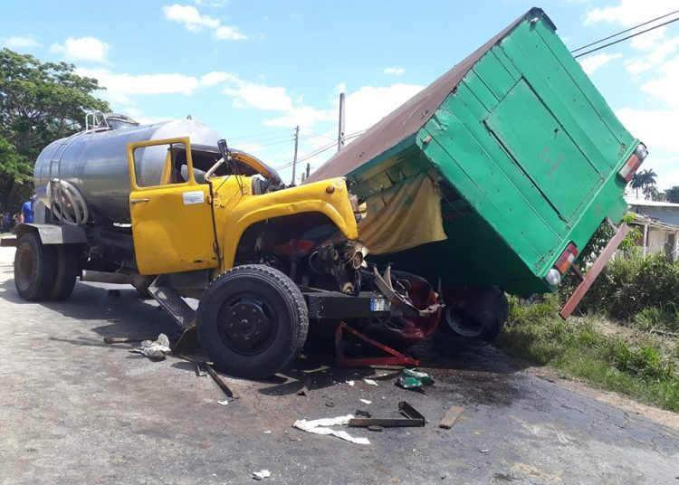 Accidente en la carretera a San Juan y Martínez. Foto: Guerrillero.