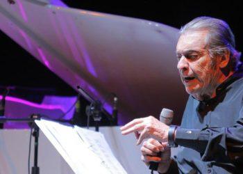 El cantautor argentino Alberto Cortez (1940-2019). Foto: @EAMNewlink / Twitter.