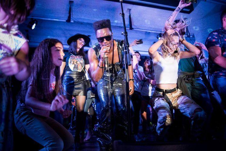 Cimafunk durante el concierto en Miami. Foto: Eloy Costa / Perfil de Facebook de Cimafunk.