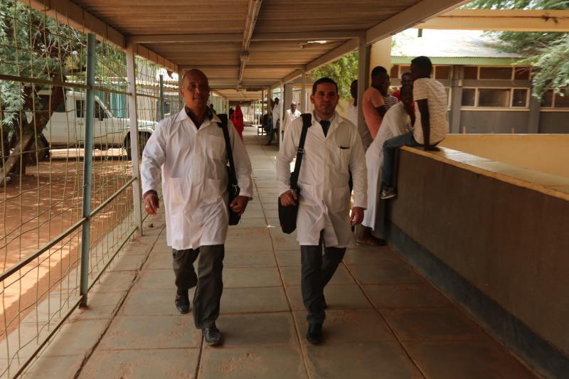 Los doctores Assel Herrera y Landy Rodríguez fueron secuestrados la mañana del 12 de abril, presuntamente por militantes del grupo extremista Al Shabab.