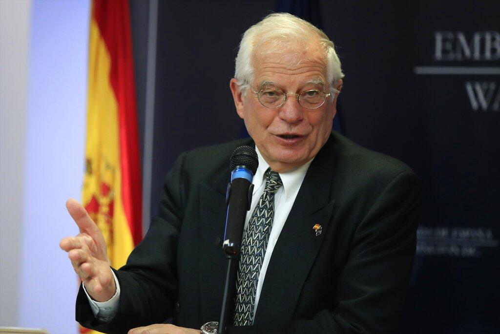 El canciller español Josep Borrell habla durante una conferencia de prensa en la embajada de España en Washington el miécoles 3 de abril de 2019. (AP Foto/Manuel Balce Ceneta)