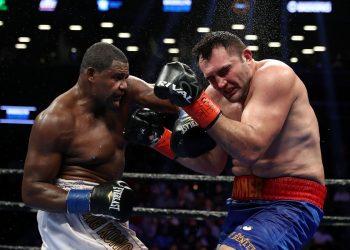 """En su pelea más reciente, Luis """"King Kong"""" Ortiz superó al rumano (residente en Alemania) Christian Hammer. Foto: Al Bello/Getty Images"""
