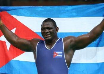 El multicampeón cubano Mijaín López, tres veces titular olímpico y cinco del mundo en la lucha grecorromana. Foto: scoopnest.com