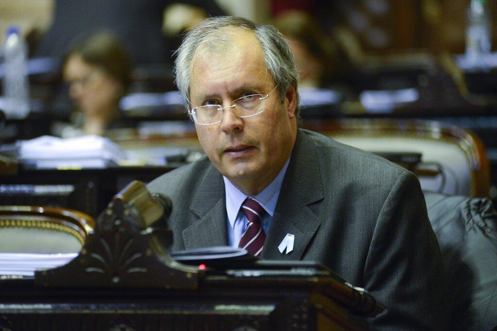 El diputado Héctor Olivares asiste a una sesión en el Congreso en Buenos Aires, Argentina el 18 de mayo de 2016. Foto: Honorable Cámara de Diputados de la Nación, HCDN vía AP.