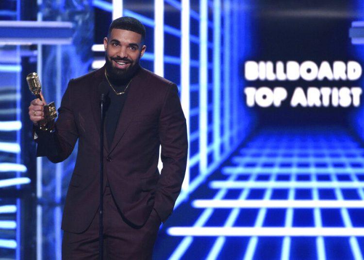 Drake recibe el Premio Billboard al artista del año el miércoles 1 de mayo del 2019 en Las Vegas. Foto: Chris Pizzello/Invision/AP.
