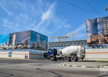 Hoteles en construcción en 3ra y 70, en Miramar, La Habana. Foto: Kaloian.