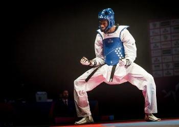 El cubano Rafael Alba celebra tras lograr su segunda corona mundial en Manchester, el 19 de mayo de 2019. Foto: worldtaekwondo.org