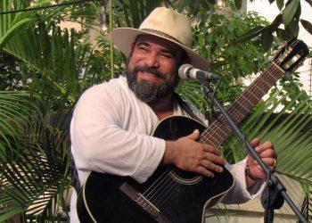 El trovador cubano Ray Fernández. Foto: Raúl Medina / El Caimán Barbudo.