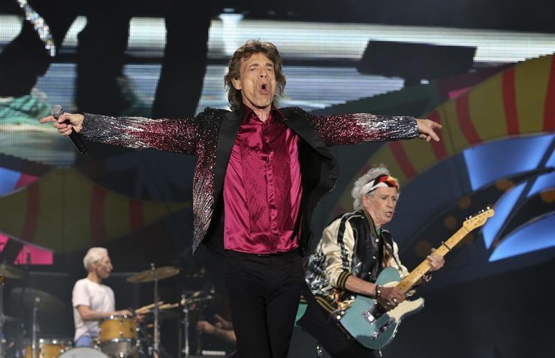Mick Jagger junto a The Rolling Stones durante su histórico concierto en Cuba. Foto: Efe