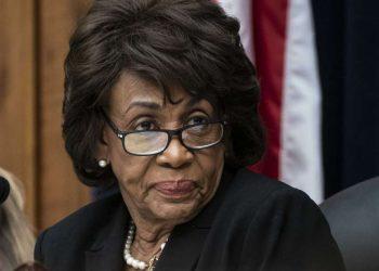 La legisladora Maxine Waters (D-CA). Foto: J. Scott Applewhite/AP.