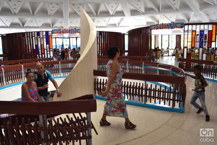 Reapertura de la heladería Coppelia en La Habana, el martes 25 de junio de 2019. Foto: Otmaro Rodríguez.