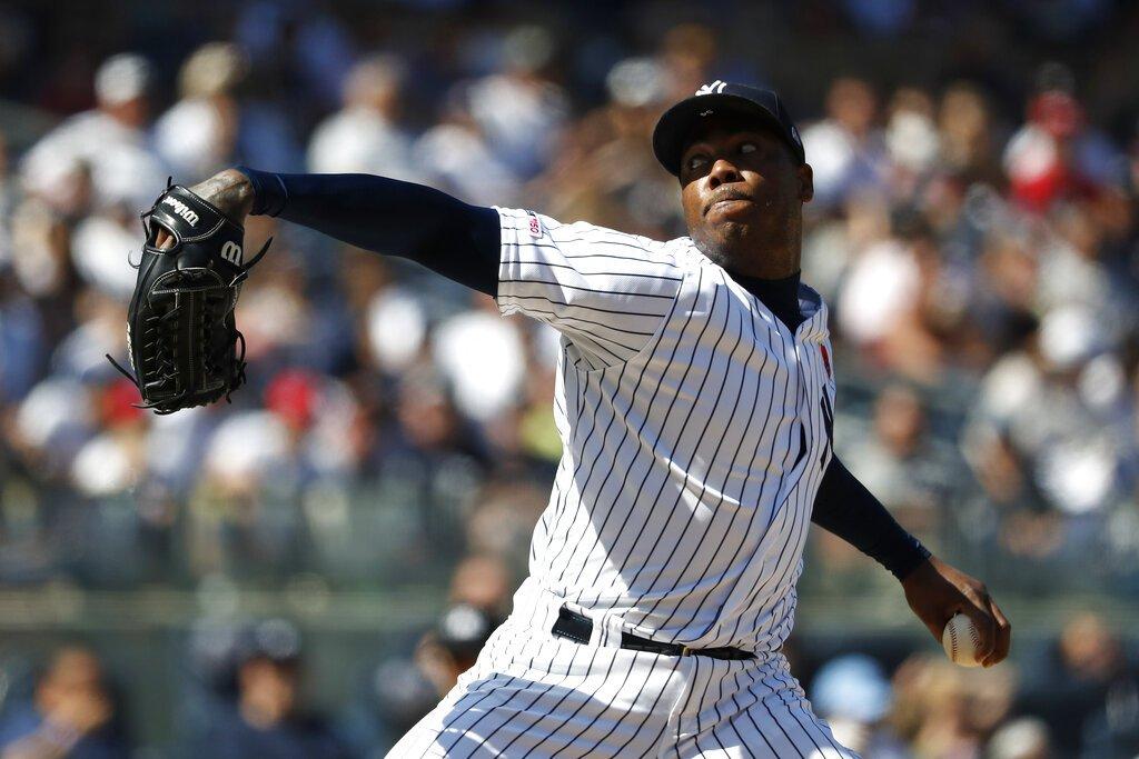El cerrador cubano Aroldis Chapman lanza por los Yankees de Nueva York en el noveno inning del partido ante los Padres de San Diego, el lunes 27 de mayo de 2019, en Nueva York.  Foto: Michael Owens / AP / Archivo.