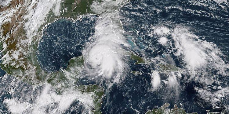 Imagen satelital del huracán Michael, a su paso por el suroeste de Cuba en octubre de 2018. Foto: Archivo.
