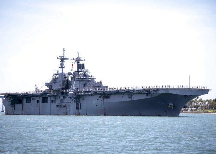 Fotografía del 1 de mayo de 2019 proporcionada por la Marina de Estados Unidos de la nave de guerra USS Boxer en la bahía de San Diego, California. Foto: Mass Communication Specialist 2nd Class Jesse Monford/U.S. Navy vía AP.