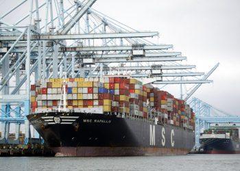 La actividad comercial en el Puerto de Los Ángeles en California el 19 de junio del 2019. Foto: Marcio Jose Sanchez / AP / Archivo.