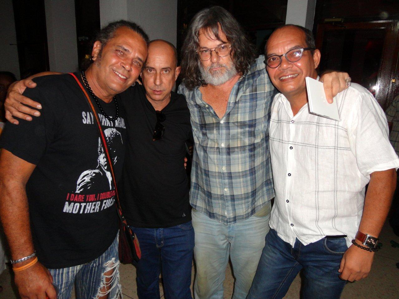 Eduardo del Llano (2-d), junto a los actores Luis Alberto García (i), Carlos Gonzalvo (2-i) y Nestor Jiménez (d). Foto: Eduardodelllano.wordpress.com
