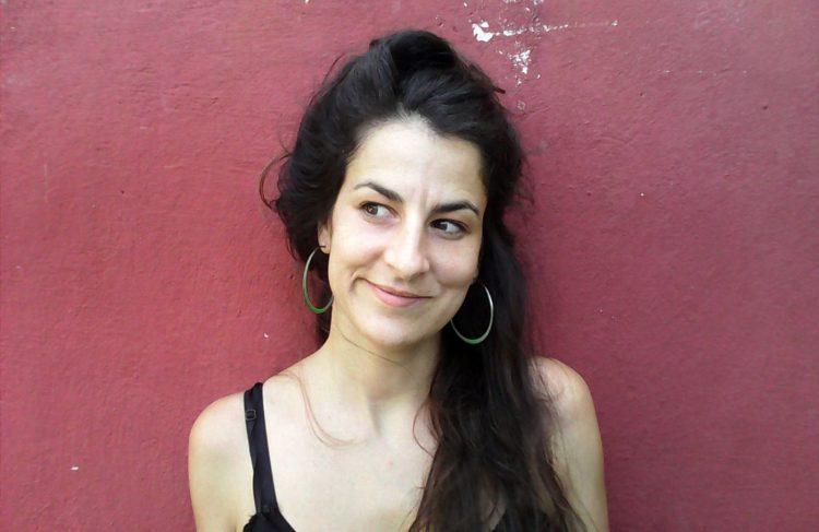 La artista catalana Nùria Güell. Foto: biennalewarszawa.pl