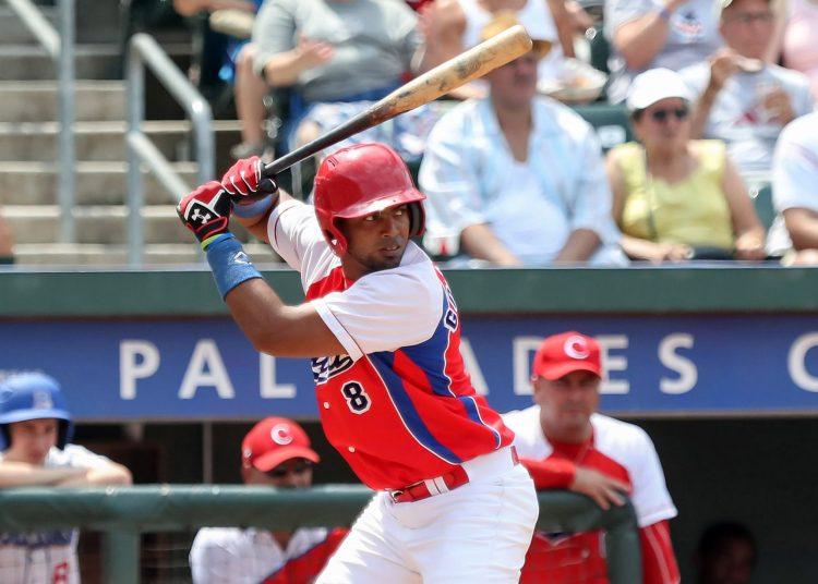 El avileño Raúl González parece asegurado en el equipo cubano a los Panamericanos de Lima. Foto: Charles Norfleet / Getty Images / Archivo.