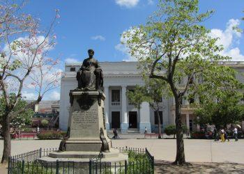Monumento a Marta Abreu, en el Parque Vida de Santa Clara. Foto: Stephen Colebourne / Flickr.