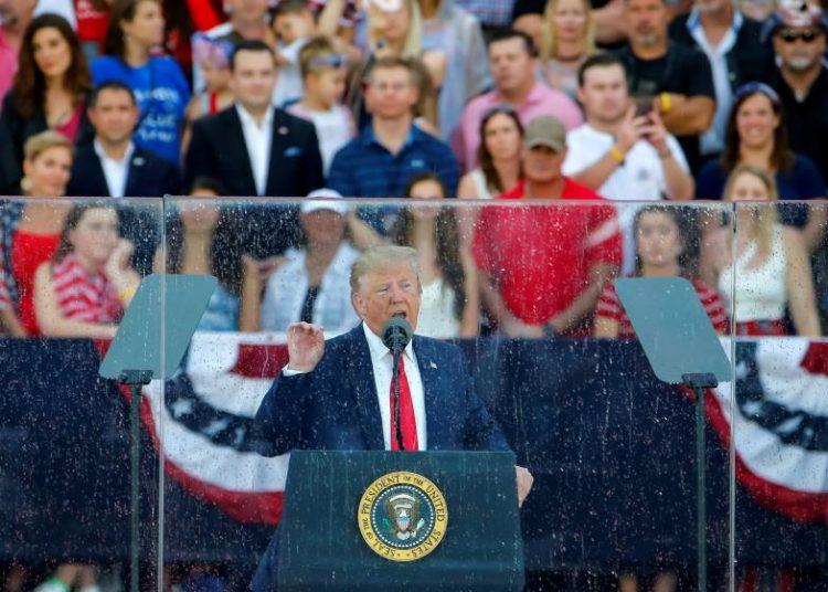 El presidente de EE.UU. Donald Trump pronuncia un discurso en las celebraciones por el Día de la Independencia, en Washington el 4 de julio de 2019. Foto: @politicalhispan / Twitter.