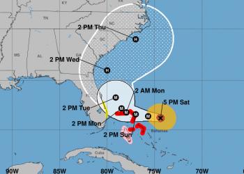 El cono de proyección de Dorian a las 5pm del sábado 31. Imagen: NHC/NOAA