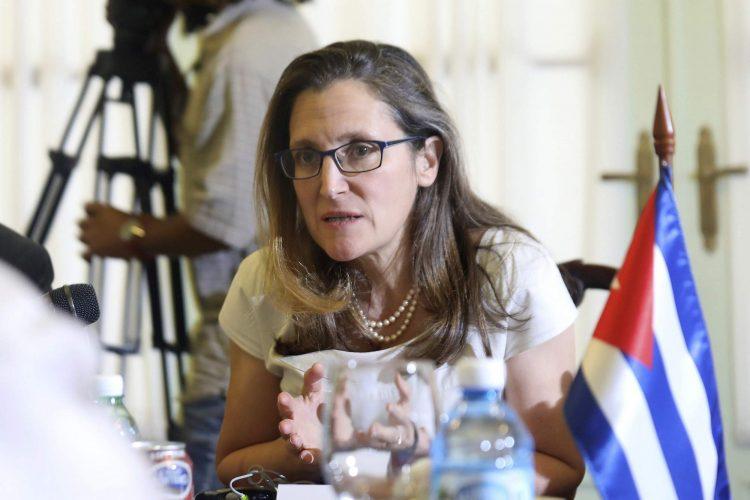 La canciller canadiense Chrystia Freeland durante el diálogo con su contraparte cubano en La Habana el 16 de mayo de 2019. Foto: Alexandre Meneghini/Pool foto vía AP.