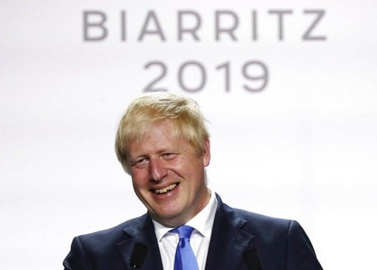 El primer ministro del Reino Unido, Boris Johnson, durante una conferencia de prensa al final de la cumbre del G7, el 26 de agosto de 2019 en Biarritz, en el suroeste de Francia. Foto: François Mori / AP.